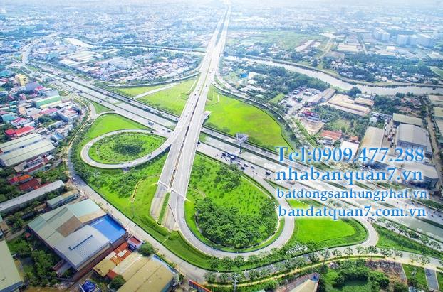 Sau khi thông tin huyện Bình Chánh được Sở Nội vụ TP.HCM đánh giá cơ bản hội tụ các tiêu chí để lên Quận, giá đất huyện Bình Chánh tăng mạnh, cơ nơi lên tới 130 triệu đồng/m2.